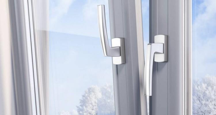 Установка пластиковых окно на зиму